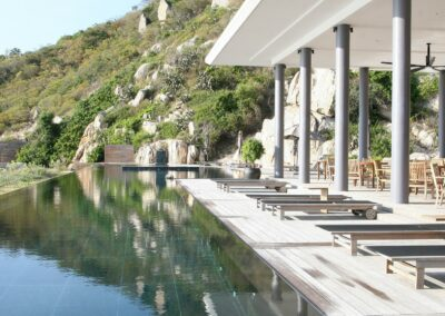 style-outdoor-poolside